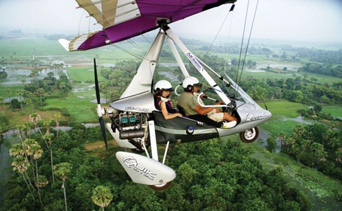 MICROLIGHT (Cambodia's incredible landscape)